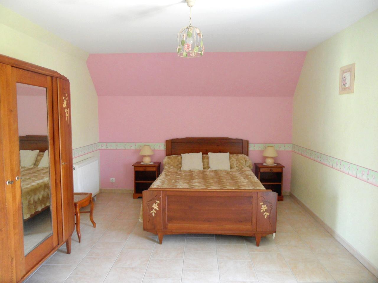 5ème chambre - 1 lit 2 personnes - Etage