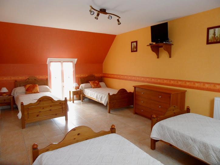 Chambre - 4 lits 1 personne - étage