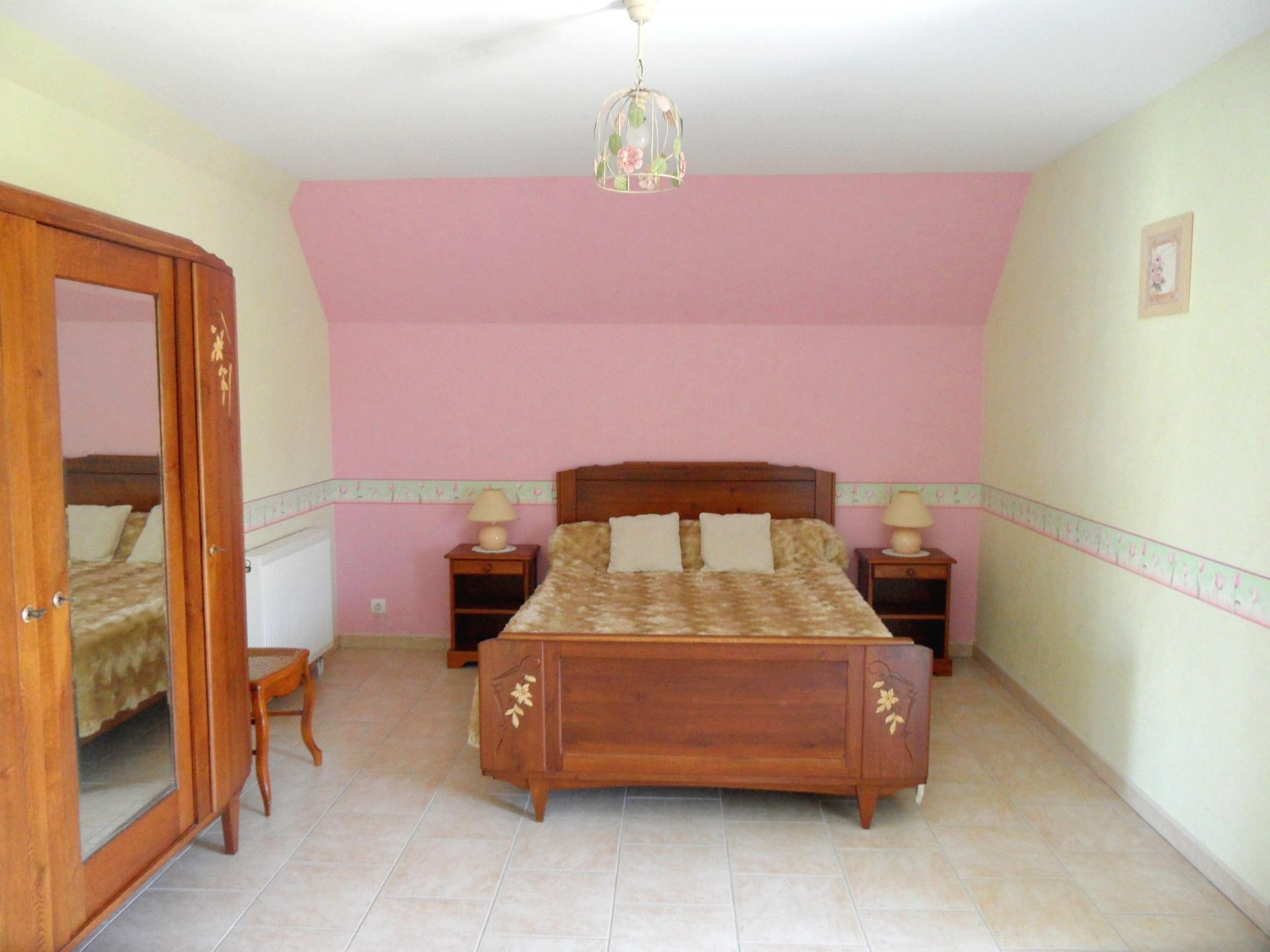 Chambre - 1 lit 2 personnes - étage